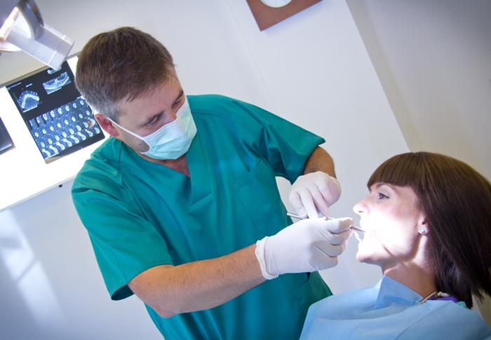 Cirugía Oral Quistes - Dres. Salinas